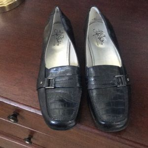 Navy blue Life Stride shoes